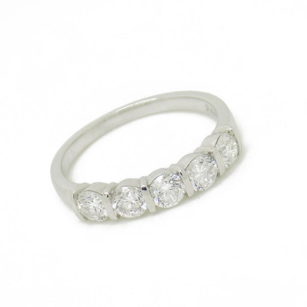 18ct White Gold Five Stone Diamond Eternity Ring Stone Detail