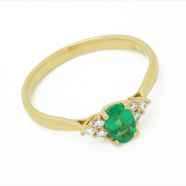 18ct Yellow Gold Emerald and Diamond Ring Front Detail