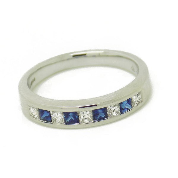 18ct White Gold Square Sapphire & Princess Cut Diamond Eternity Ring Stone Detail