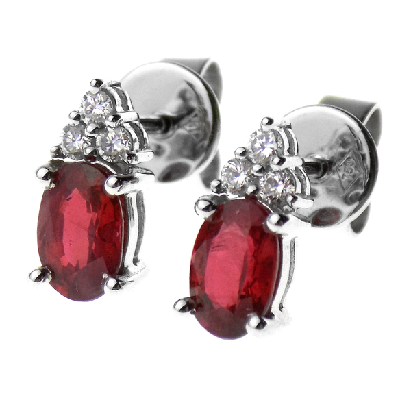 18ct White Gold Ruby & Diamond Earrings - Stone Detail