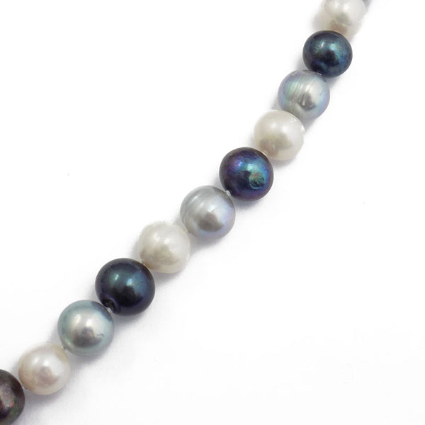 'Lido' Pearl Single Row Black, Grey & White Freshwater Pearl Necklace Pearl Detail