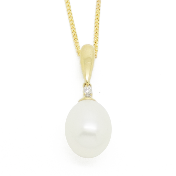 9ct Yellow Gold Teardrop Freshwater Pearl & Diamond Pendant
