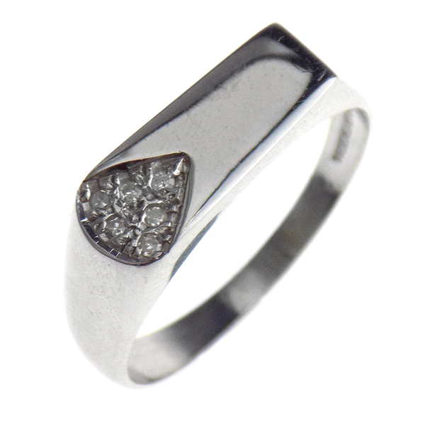 Pre-Loved Gents 9ct White Gold Diamond Rectangular Shape Signet Ring