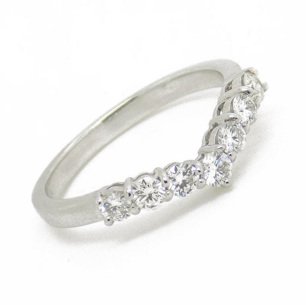 18ct White Gold Round Diamond Wishbone Ring Stone Detail