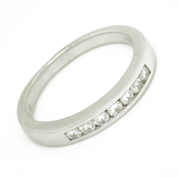 18ct White Gold Seven Round Diamond Eternity Ring Stone Detail