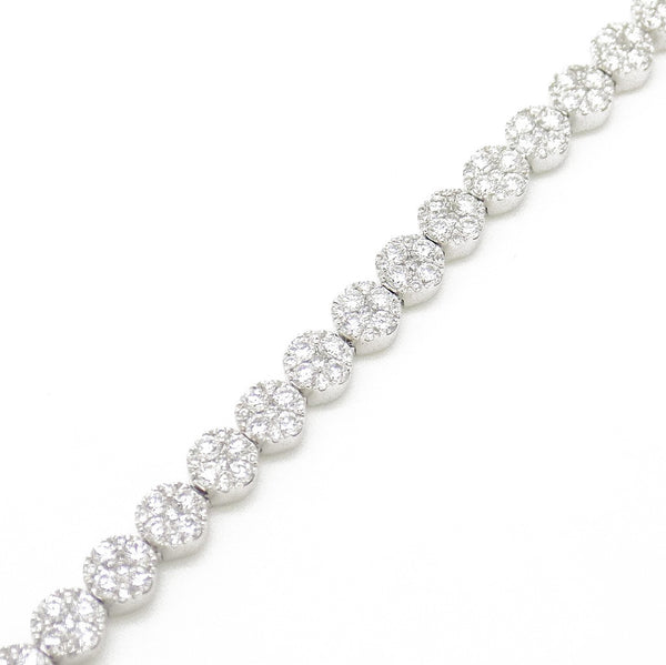 18ct White Gold Diamond Cluster Set Tennis Bracelet Detail