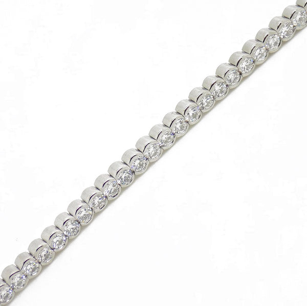 18ct White Gold Diamond Set Tennis Bracelet Link Detail