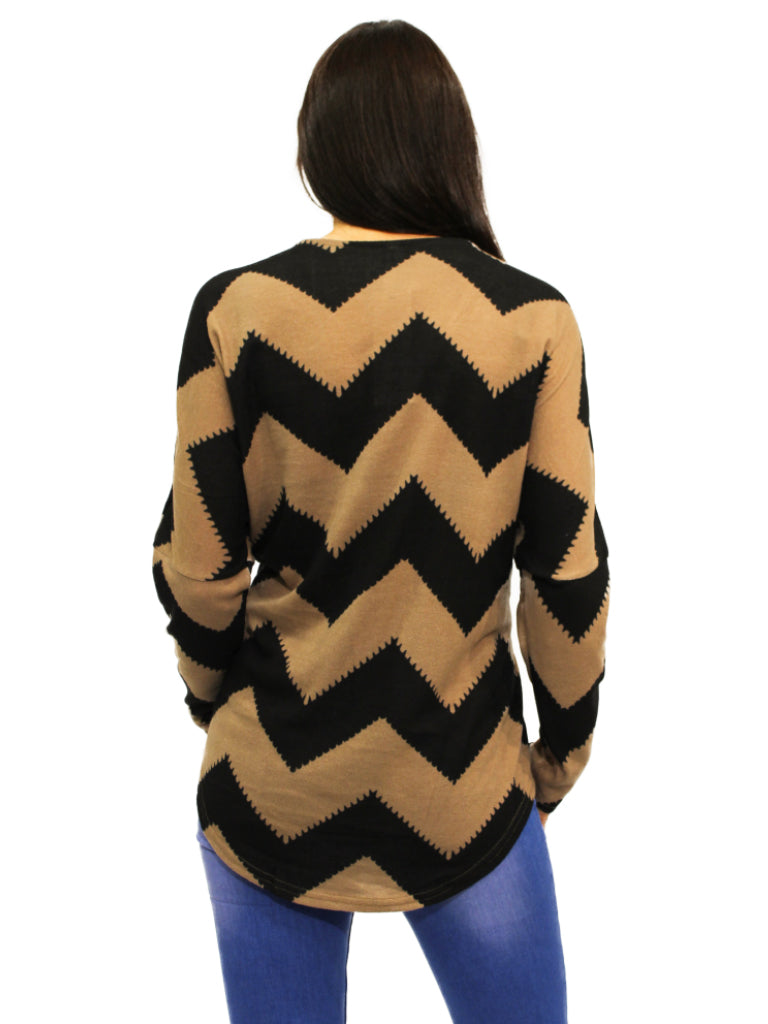 diagonal design taupe and black zip top