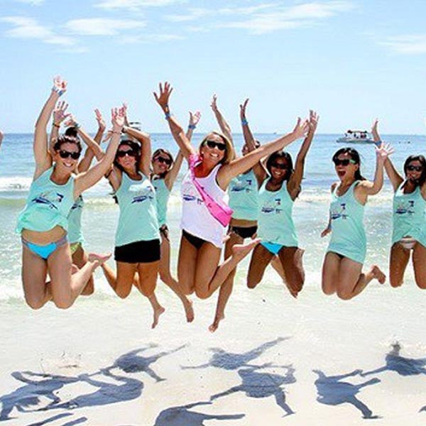 9 Beach Bachelorette Party Must-Haves