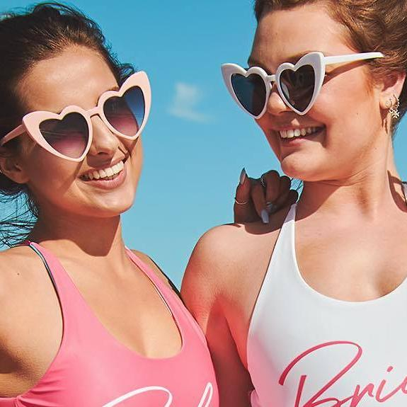 Best Bachelorette Party Gifts of 2020 | Retro Heart Sunglasses
