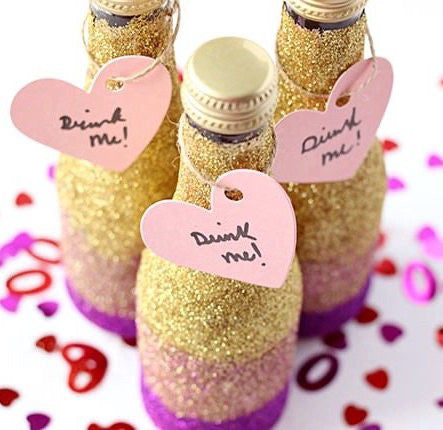 20 cute classy ideas for bachelorette party favors stag hen diy mini glitter champagne bottles solutioingenieria
