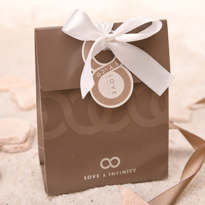 Love x Infinity gift wrapping service
