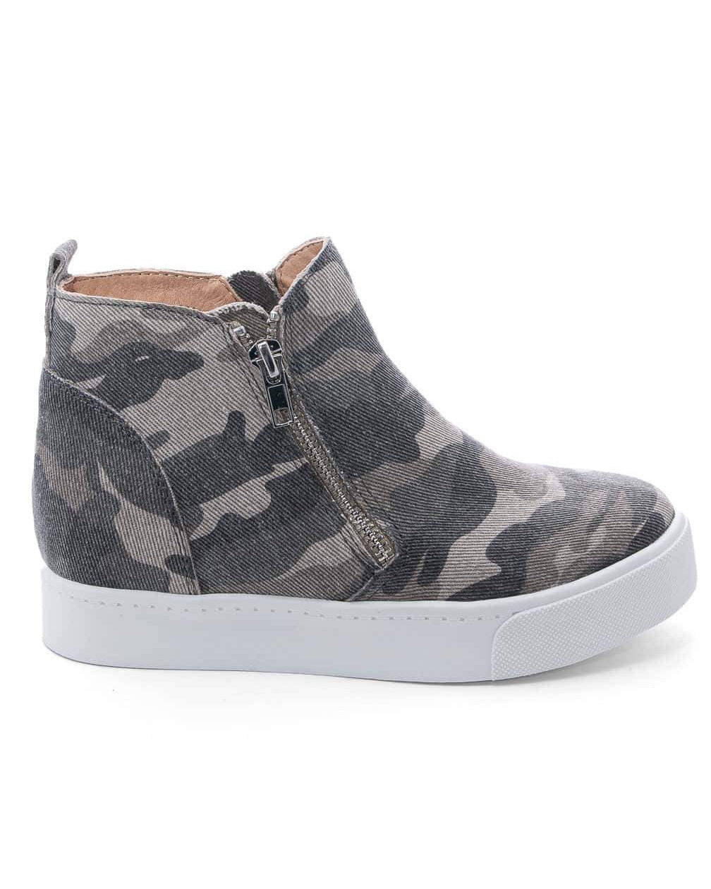 Milo Camouflage Ankle Sneakers