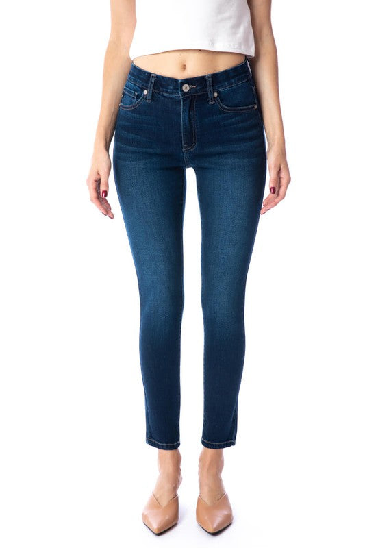 Classic button and zipper jeans | Boutique Bleu Spokane
