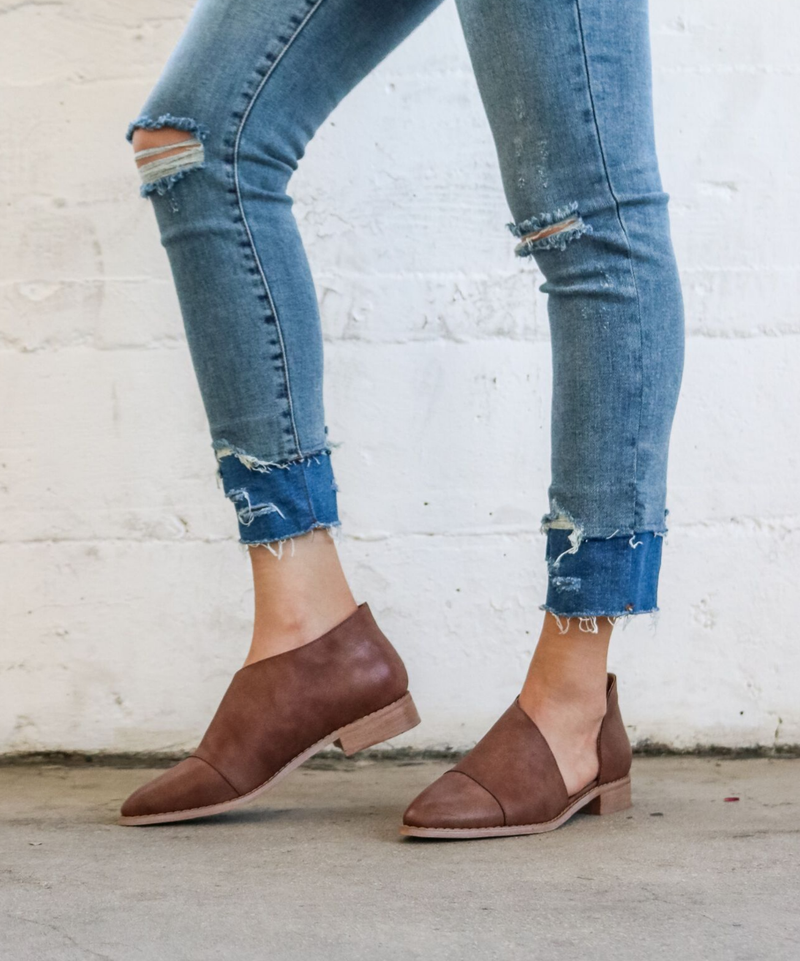 Womens brown shoes made of vegan faux leather - Boutique Bleu