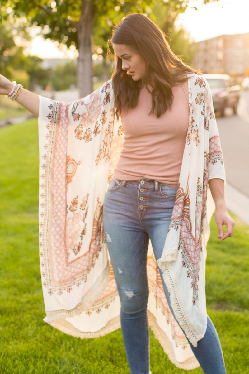 Tassel trim on the hem of this kimono cardigan - Boutique Bleu