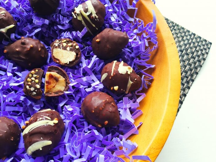 paleo-and-vegan-double-decker-raw-chocolate-easter-eggs-1