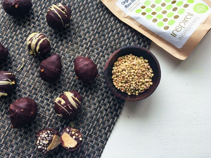 paleo-and-vegan-double-decker-raw-chocolate-easter-eggs-12