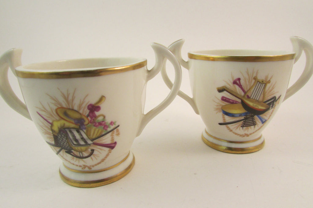 Vintage Mottahedah Italy Double Handled Cup Set of Two
