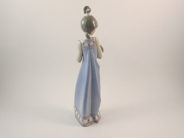 Vintage Lladro Spring Token Figurine 5604 Retired Young Girl Holding Flowers Lladro Collectible Figurine Designed by Vincente Martinez
