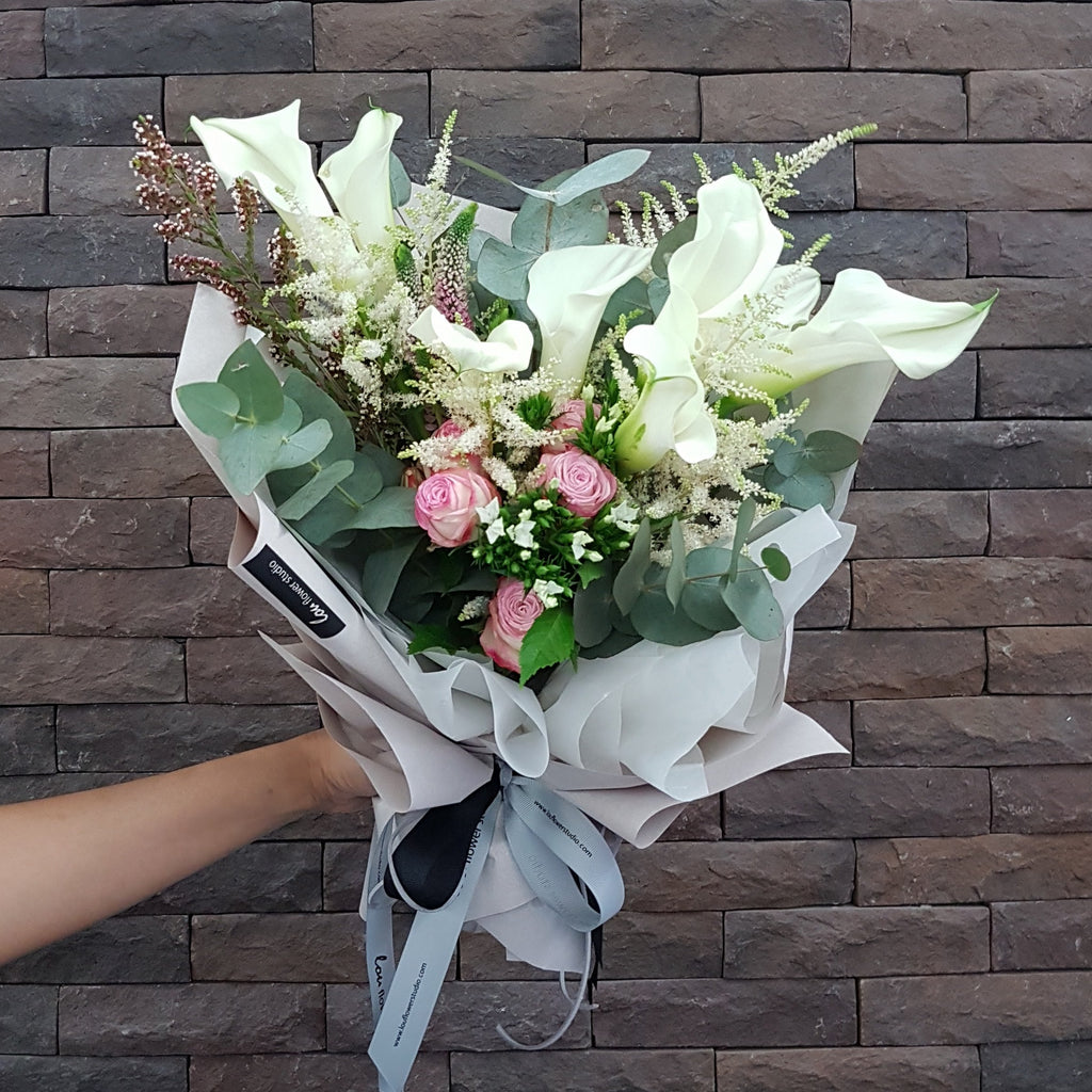 Calla Lilies Bouquet - Lou Flower Studio