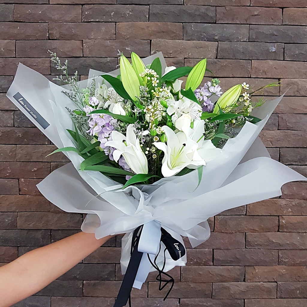 Classic Lily Bouquet - Lou Flower Studio