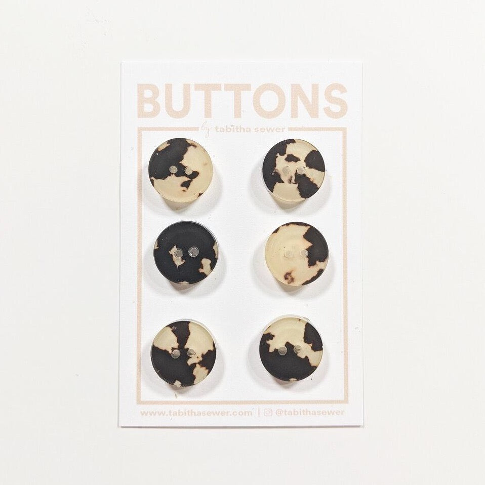 Small Tortoise Classic Circle Buttons - Cafe