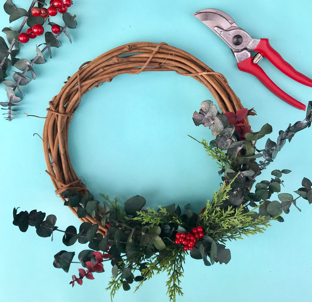 Make a Holiday Wreath