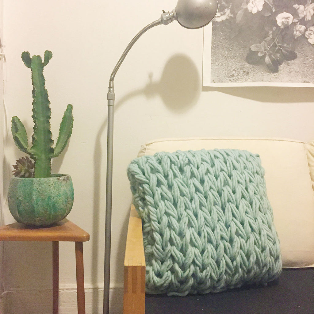 Arm Knit Pillow Workshop