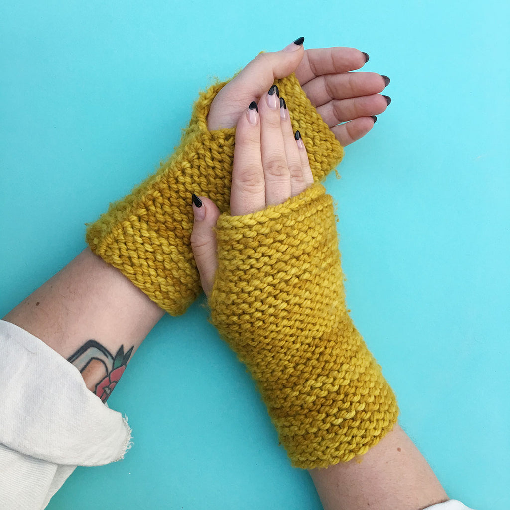FREE! Total Newbie Fingerless Mitts Knitting Pattern
