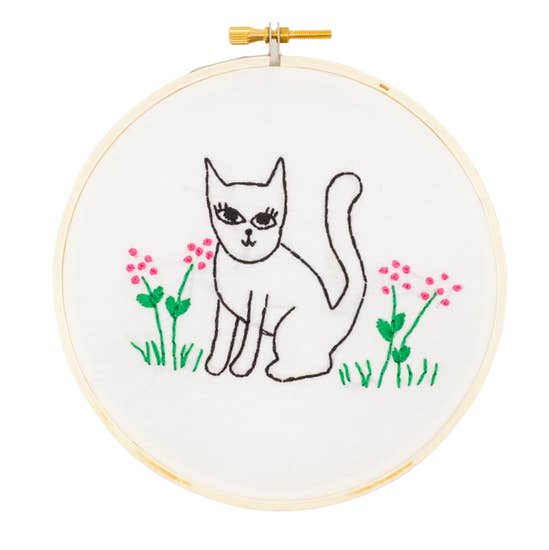 Sweet Cat Embroidery Kit