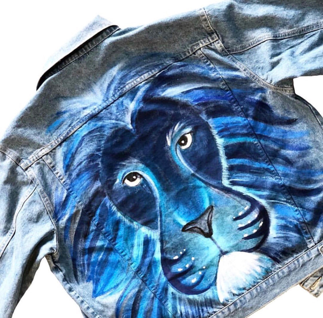 Blue boyfriend fit Lion