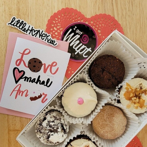 Vee Day Gift Box of 1/2 Dozen Assorted Cookiecakes - Love Mahal Amor