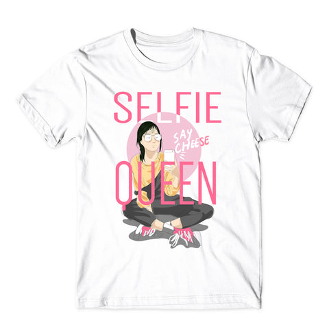 Selfie Queen Cute Funny Fashion T-Shirt-Gildan-Daataadirect.co.uk