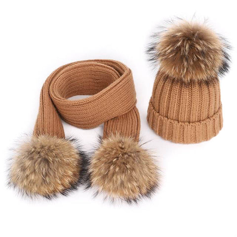 Single Large Pom-Poms Hat & Scarf Set