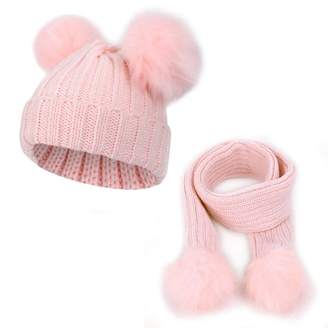 Medium Pom-Poms Hat & Scarf Set