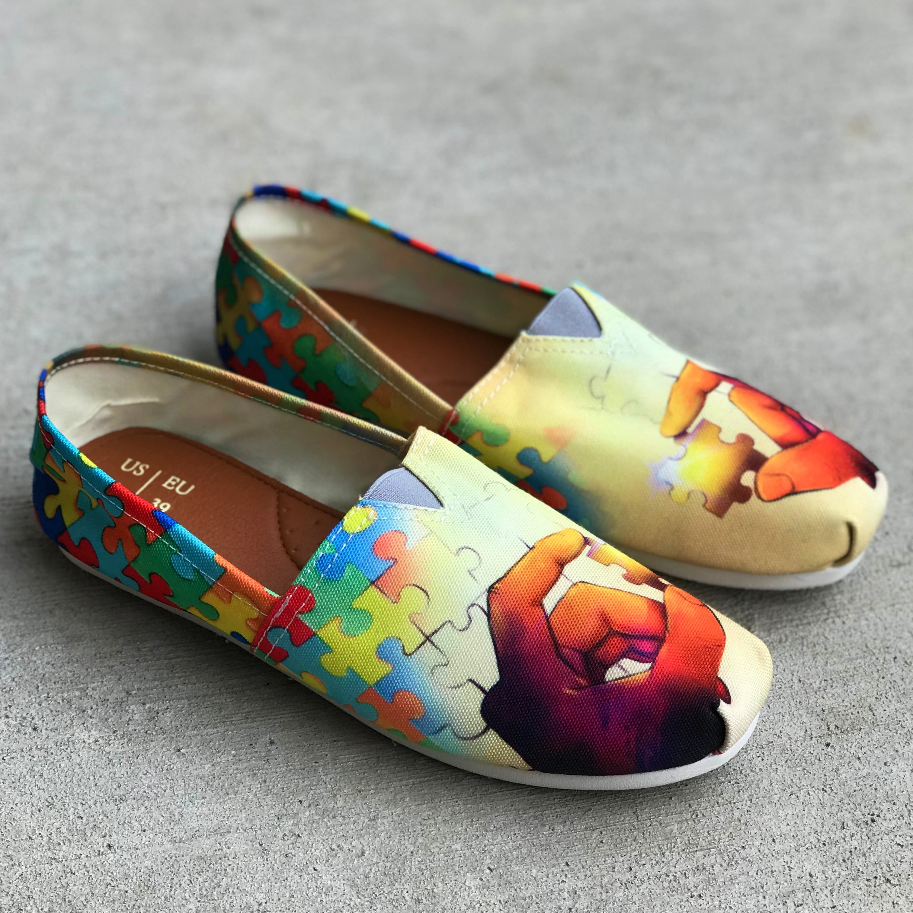 b1fa617a270183 Artistic Autism Awareness Casual Shoes – Groove Bags