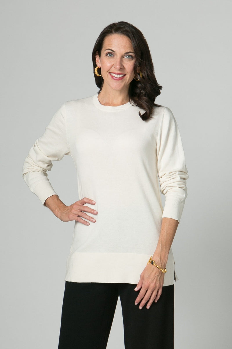 "28"" Long Sleeve Fitted Tunic with Back Button Detail"