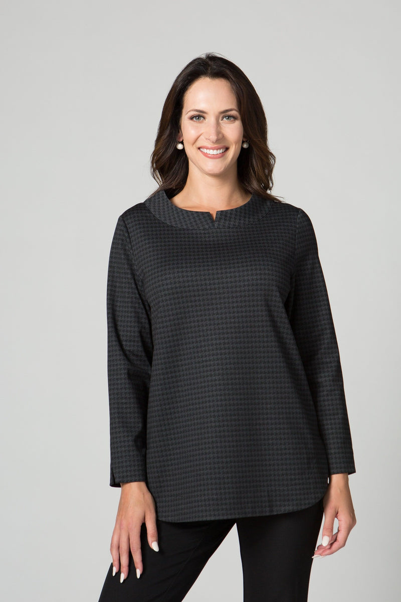 "26"" Notch Collar Top"