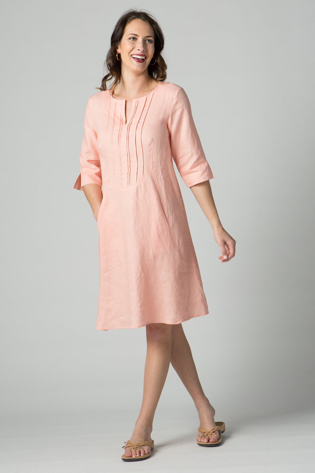 "38""¾ sleeves dress with front pleating and pockets"