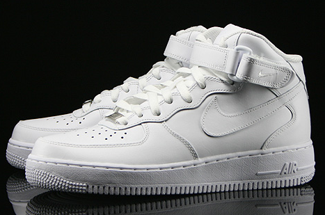 new styles 18ca0 413c0 Nike Air Force One Mid Mujer