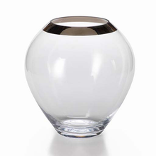 Load image into Gallery viewer, Floris Vase