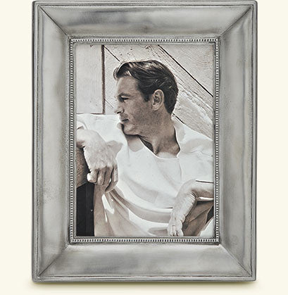 "MATCH Pewter - Como Rectangular Frame, 4.8x7""."