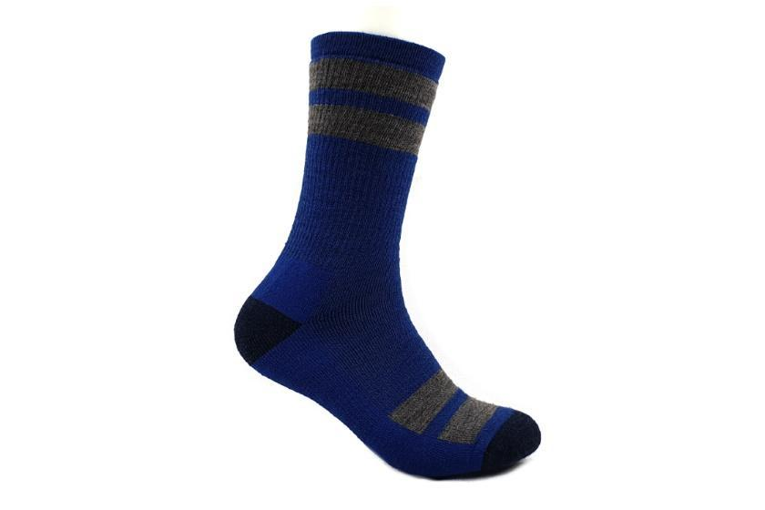 Smartwool Striped Hike Medium Cushion Crew Socks Socks Dark Blue / Medium - M US 6-8.5 | W US 7-9.5 | EU 38-41 | UK 5-7.5