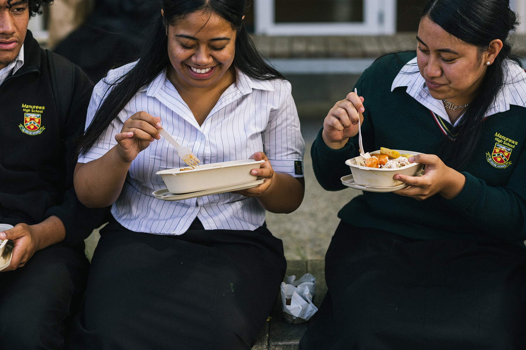 Manurewa High School students enjoying their Ka Ora, Ka Ako lunch in Ecoware compostable packaging