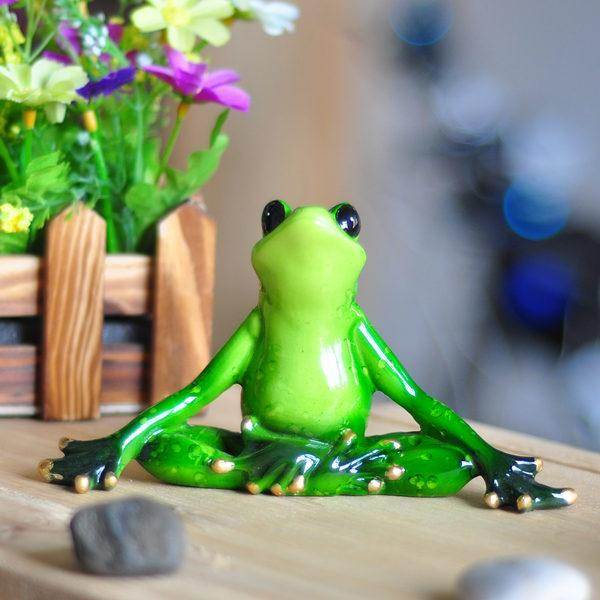 Yoga Frog Figurines