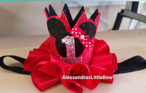 Small red Minnie mouse birthday crown with number - AlessandrasLittleBow