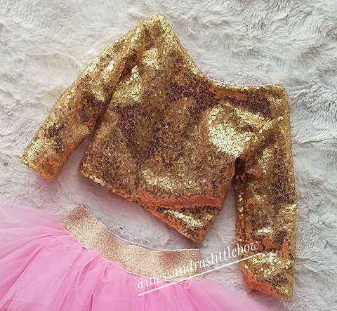 Princess cropped Sequin top in gold