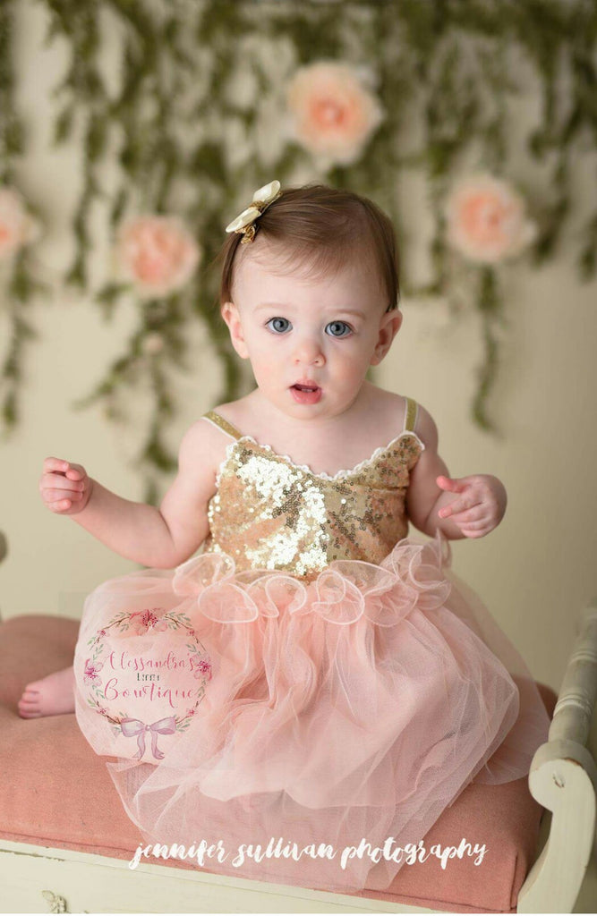Gracie dress with ruffle in peachy pink and gold