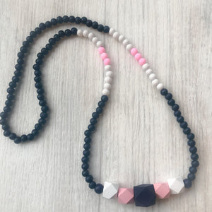 Beaded necklace - pink lady